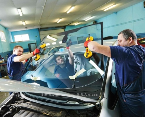 Auto Glass Replacement in north Vancouver, BC